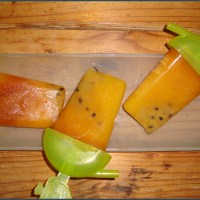Rooibos tea popsicles with mango and granadilla