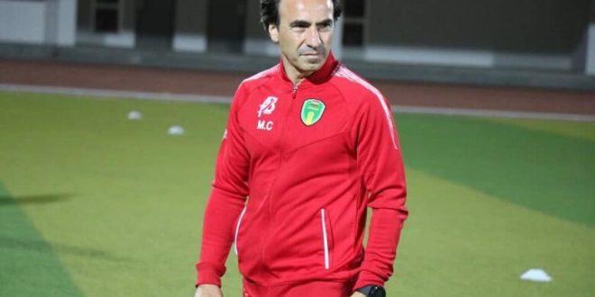 إقالة مدرب المنتخب الوطني و طاقمه الفني