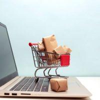 """""""El derecho de desistimiento en las compras por Internet"""" A cargo de Patricia Vadillo."""