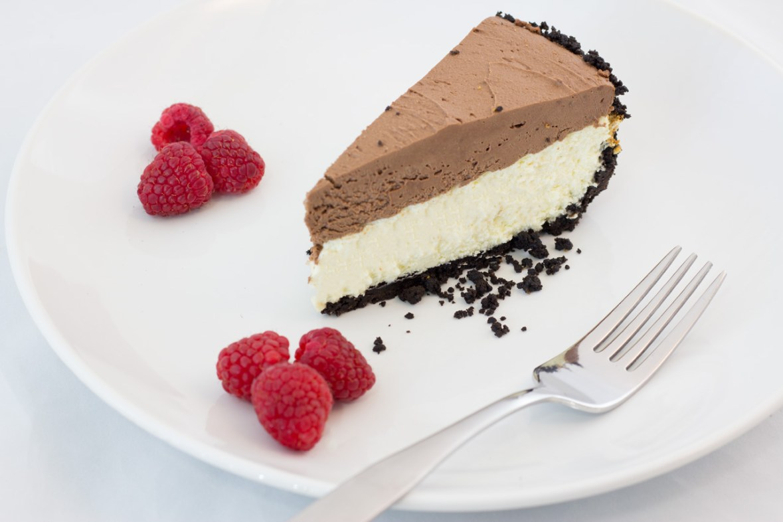 Chocolate mousse, vanilla bean cheesecake, oreo cookie crust, Tuxedo cheesecake, thekindercook.com