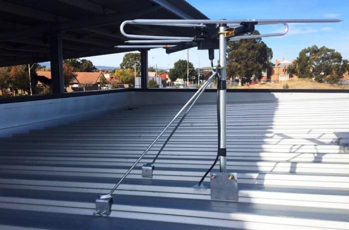 Stramit antenna mount clip lock roofing