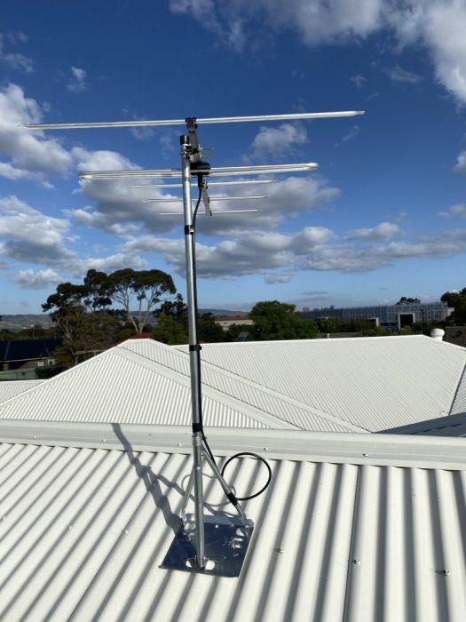 Digital antenna in Greenacres and mount