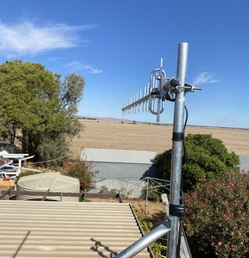 Celfi antenna on a country property Clements Gap
