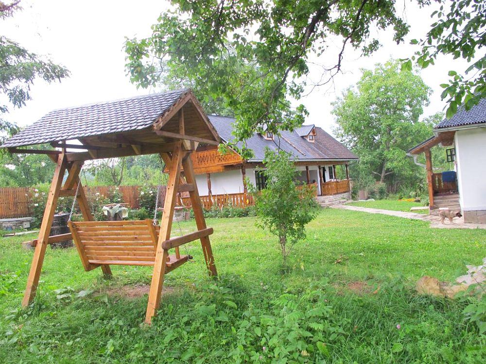 adelaparvu.com despre casa traditionala Stefesti, Romania, casa traditional romaneasca  (1)
