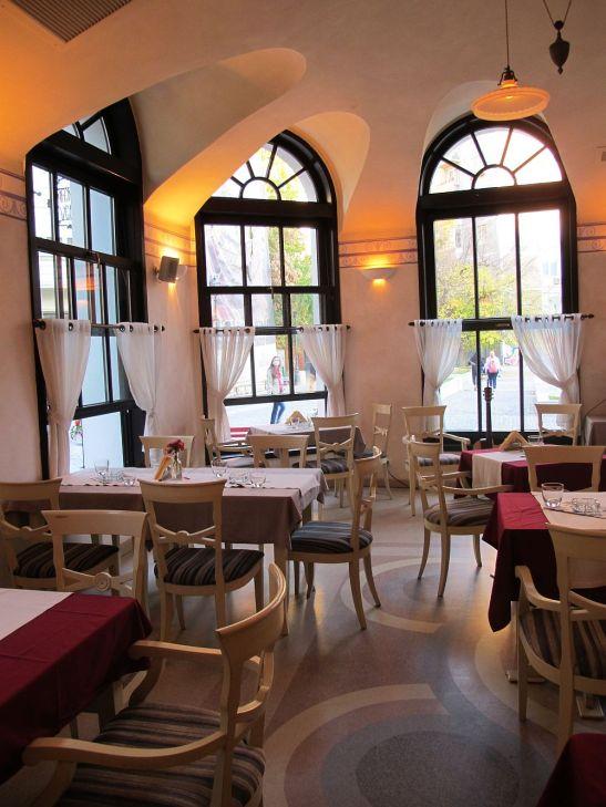 adelaparvu.com despre Cafeneaua Veche (13)