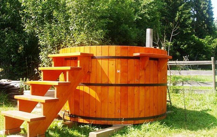 adelaparvu.com despre ciubar din lemn, minispicine sub forma de butoi, Foto Verkauf Gheorgheni (1)