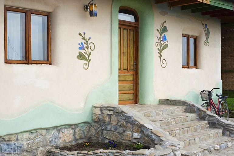 adelaparvu.com despre casa din chirpici la Ciolpani, Poiana Florilor, designer Elena Vasiliu arh. Raluca Suru, Foto Dragos Boldea (52)