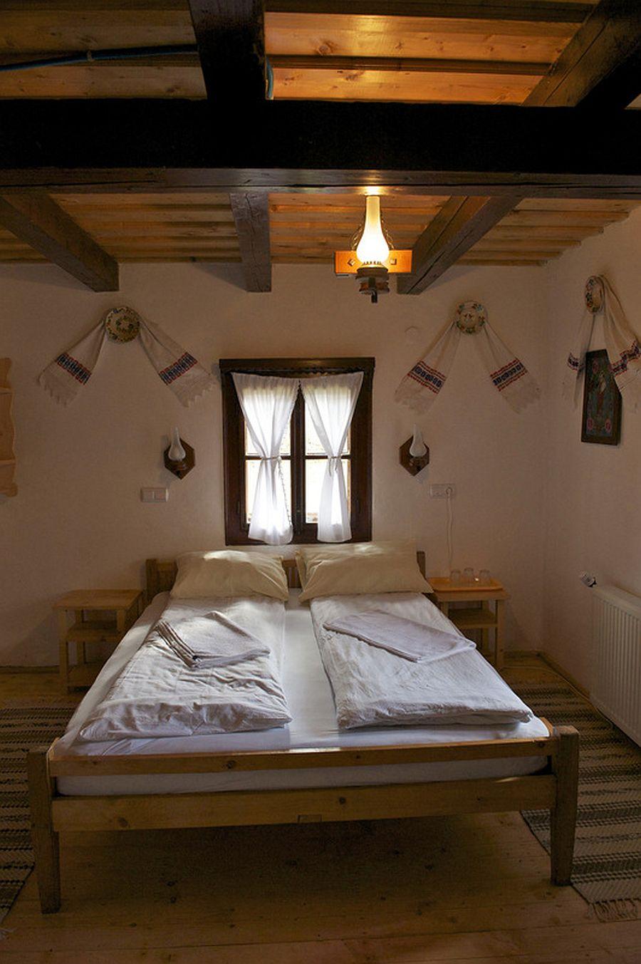 adelaparvu.com despre casa traditionala Maramures, satul Hoteni, Pensiune Marioara satul Breb, Foto Motica (17)