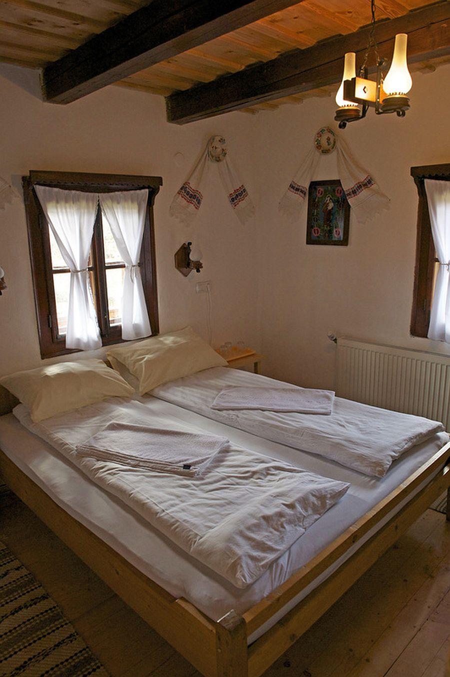 adelaparvu.com despre casa traditionala Maramures, satul Hoteni, Pensiune Marioara satul Breb, Foto Motica (21)