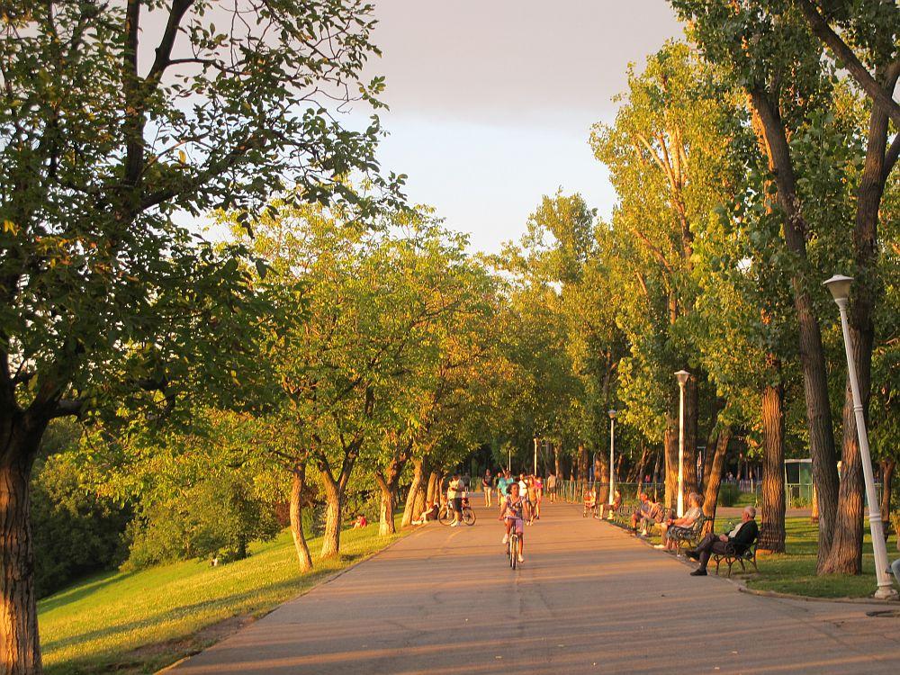adelaparvu.com despre The Park, complex rezidential Bucuresti, imagini Parcul Tineretului (2)