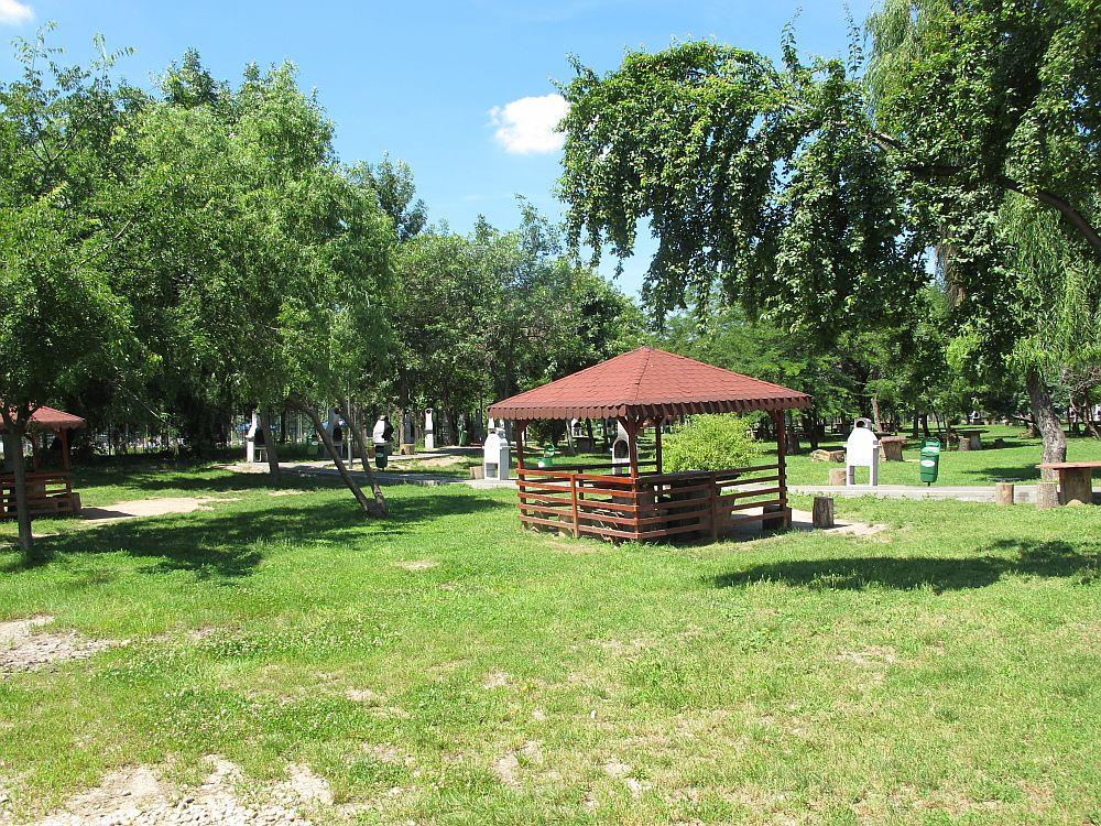 Locul de gratare din parc