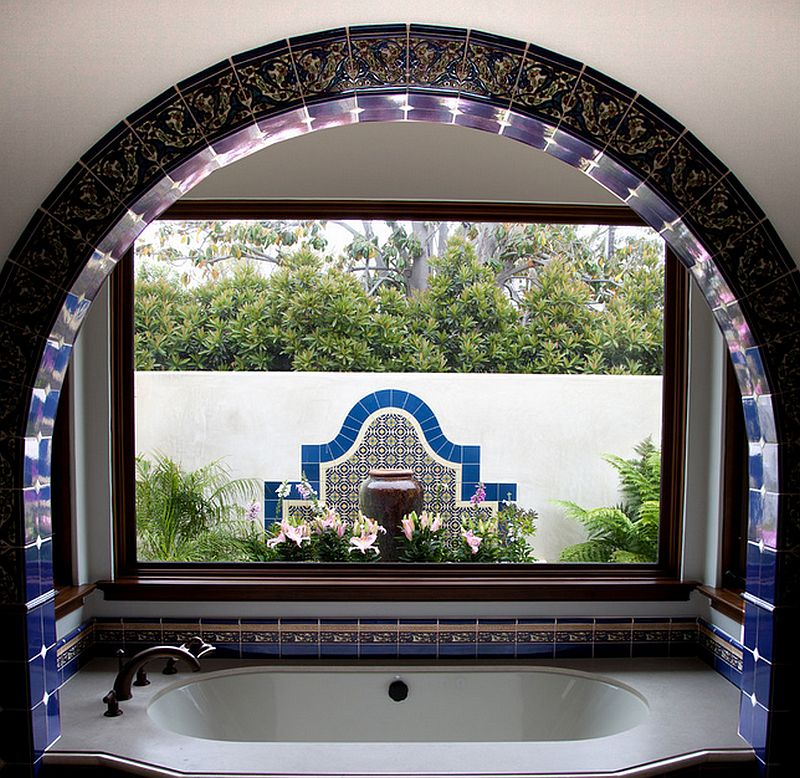 adelaparvu.com despre bai cu placi ceramice pictate, bai in stil mediteranean, Foto Maraya Interior Design 4