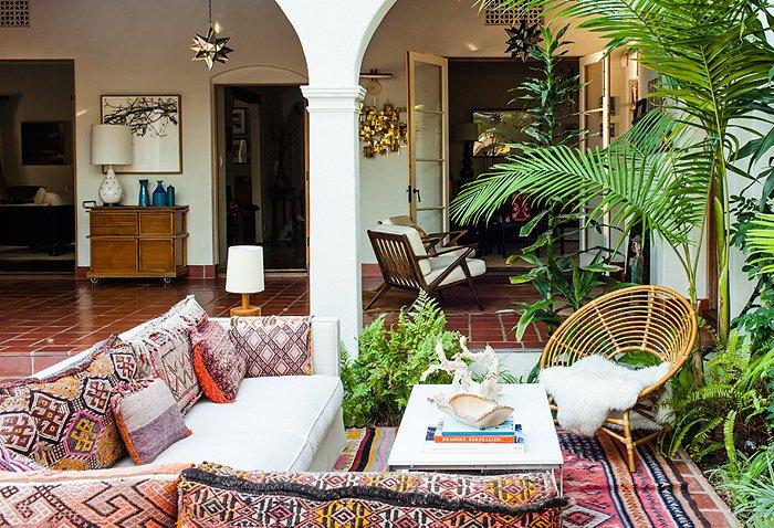 adelaparvu.com despre casa de tip hacienda, casa SUA, casa Katie Tarses, Foto One kings lane (2)