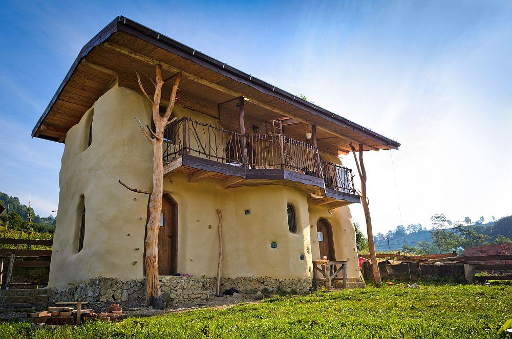 adelaparvu.com despre casa din baloti de paie Popasul Verde, Sangeorz Bai, Romania, proprietar Paul Axinte (34)