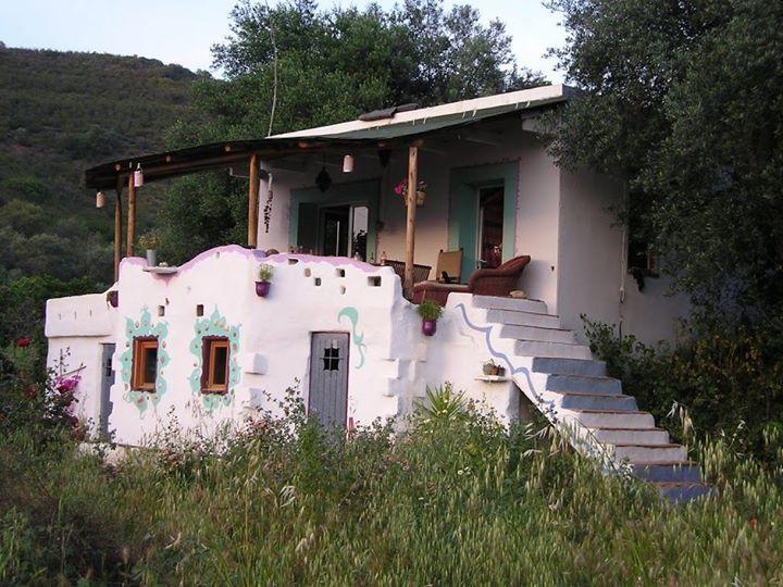 adelaparvu.com despre casa din baloti de paie Popasul Verde, Sangeorz Bai, Romania, proprietar Paul Axinte (5)