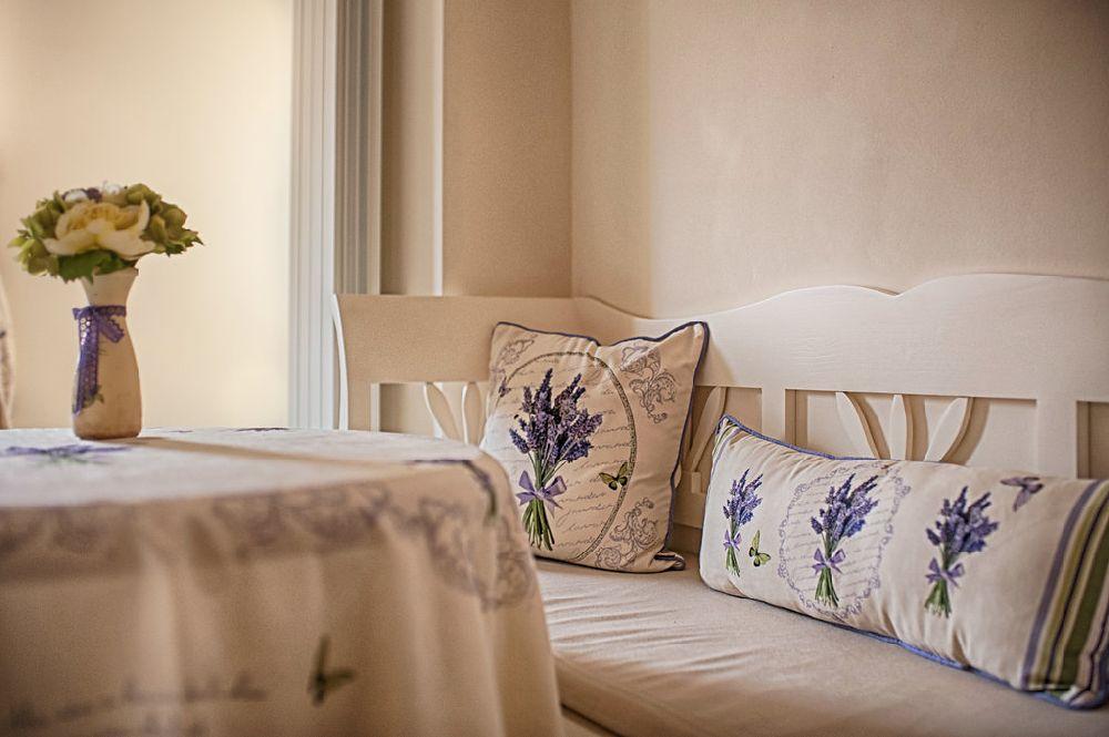 adelaparvu.com despre amenajare apartament 2 camere Constanta, design interior Ana Maria si Laur Ivanof, Styling Oana Gardon, Foto Marian Sterea (83)