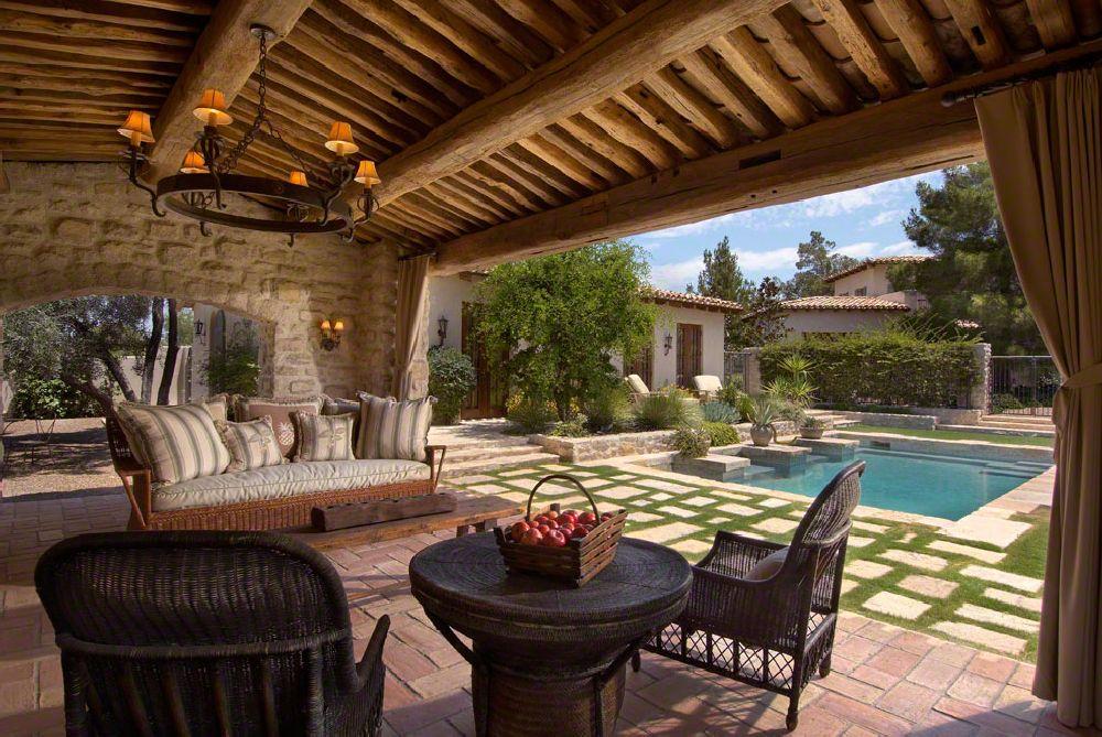 Cas mediteranean cu gr din i nc peri n aer liber for Award winning patio designs