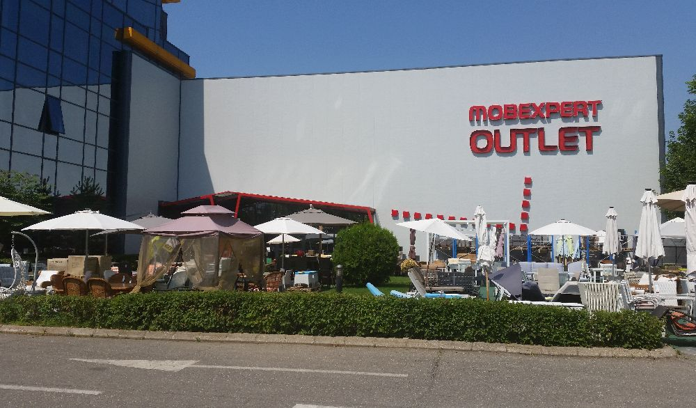 adelaparvu.com despre Outlet Mobexpert Pipera (1)