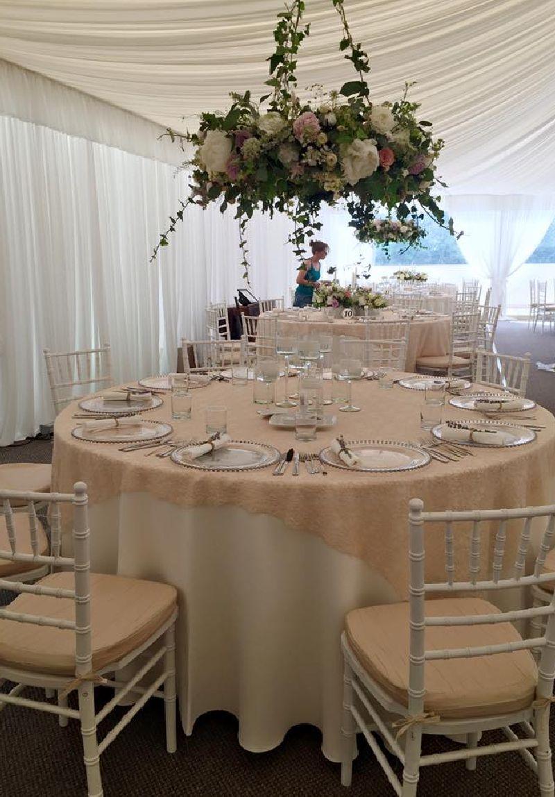 adelaparvu.com despre decor floral pentru nunta in cort, design floral Nicu Bocancea, Floraria Iris (7)