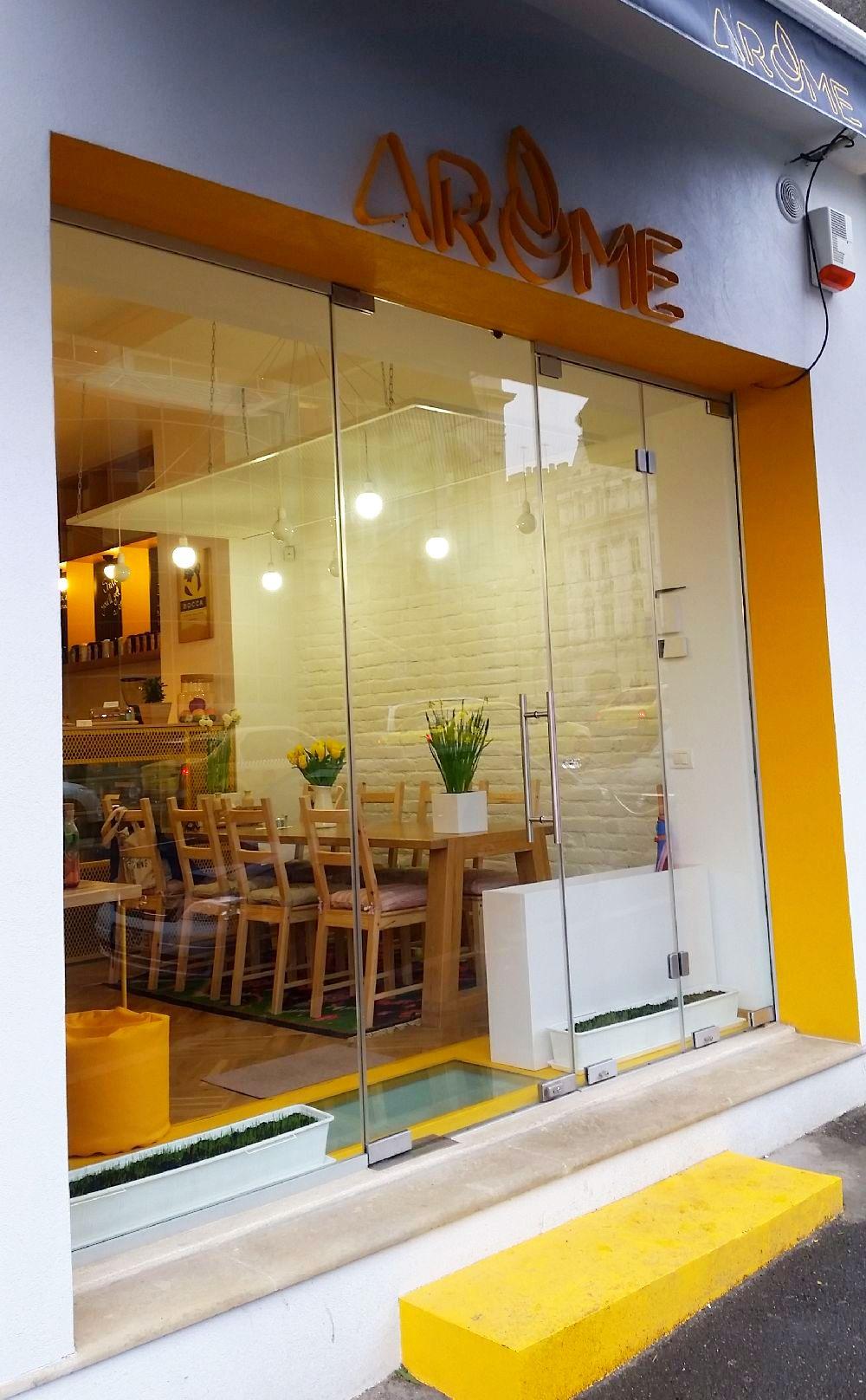 adelaparvu.com despre cafeneaua Arome, Bucuresti, design interior Silvia Diaconu, Bogdan Gogoci (17)