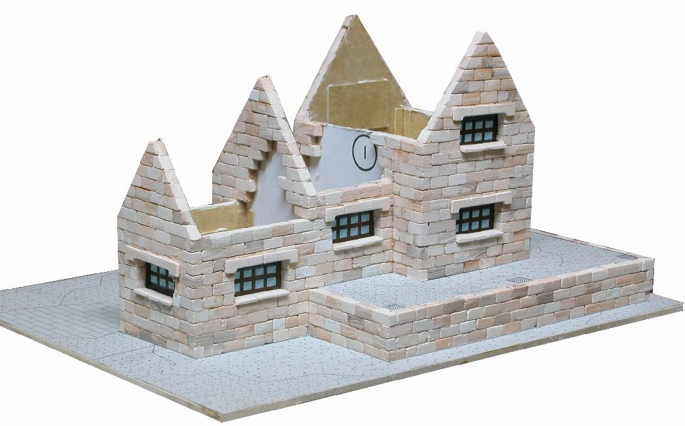 adelaparvu.com despre case miniaturale din ceramica, etape de constructie, Atelierul de modelism (4)