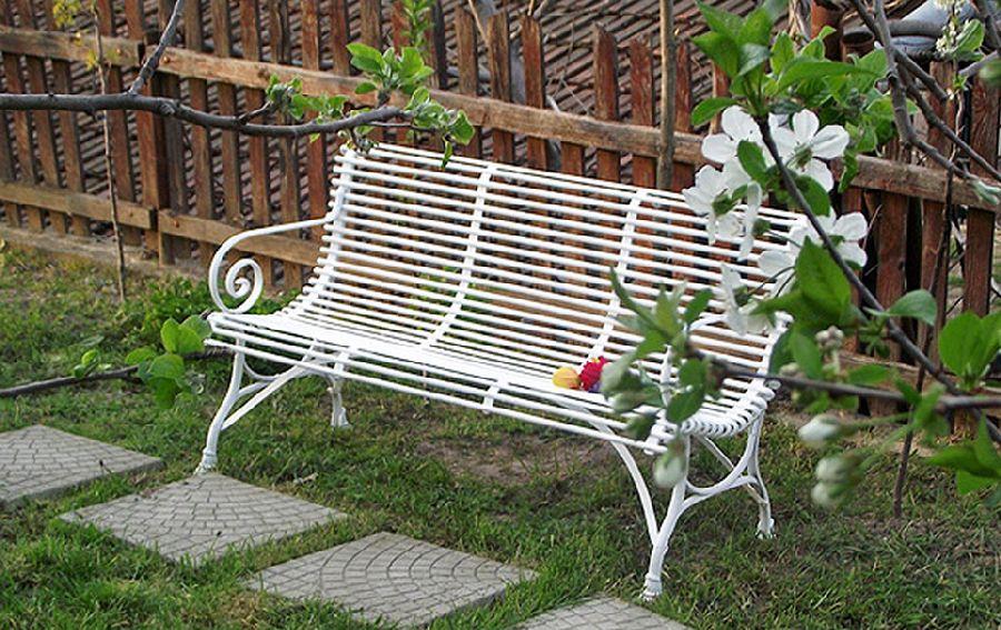 adelaparvu.com despre mobilier si chioscuri gradina, Mobila din Fier, Oradea (6)