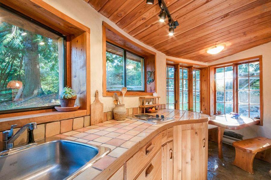 adelaparvu.com despre casa de vacnata din lut, Cob Cottage, canada, design Cobworks si Cob Cottage Company (20)