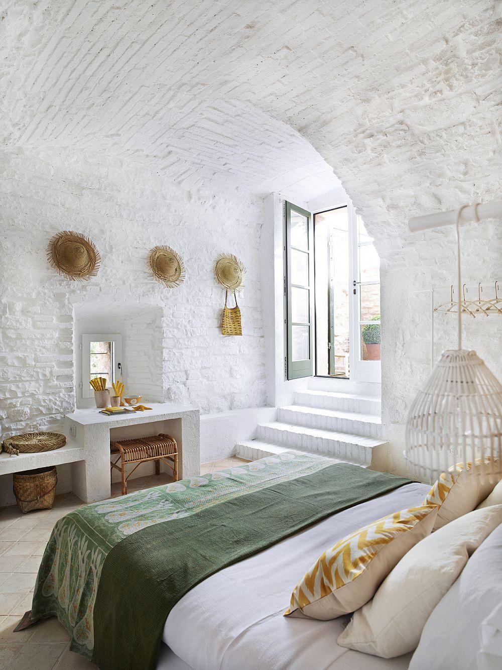 adelaparvu.com despre casa din piatra in stil eclectic, Umbria, designer Andrea Falkner, Foto Septimius Krogh (19)
