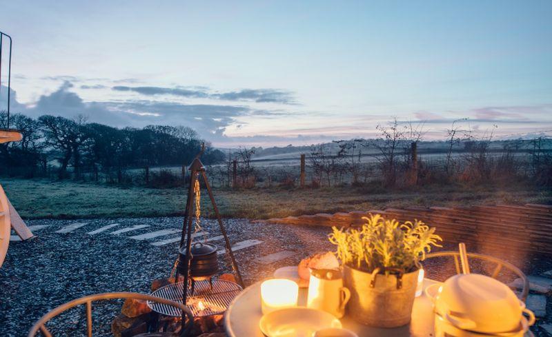 adelaparvu.com despre casa de vacanta cu carute anexate, casa Nomad, Marhamchurch, Cornwall, UK, Foto Unique Home Stays (23)