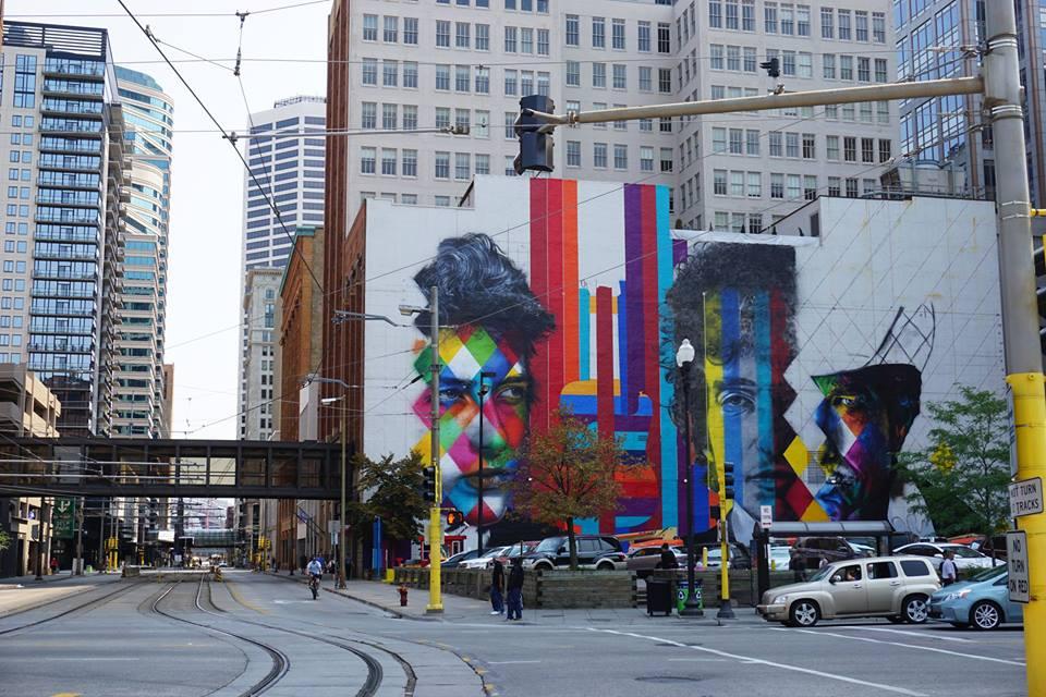 adelaparvu.com despre Eduardo Kobra artistul graffiti al oraselor, murala Philadelphia (1)