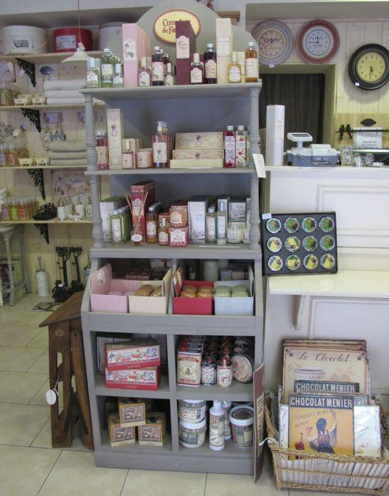 Produse de aromoterapie, sapunuri, lumanari gasesti la Comptoir de Famille