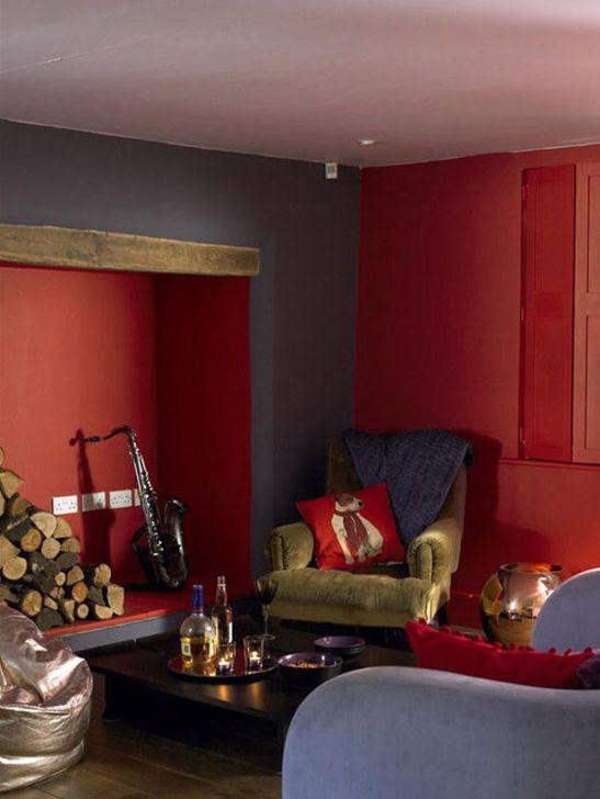 Living cu pereti in nuanta rosie Foto Copyright ©  Akzo Nobel