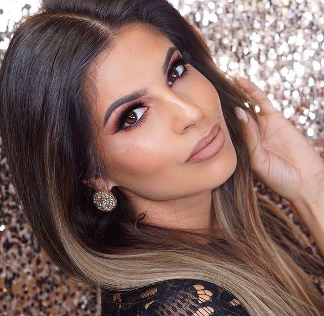 Laura lee is a YouTuber that inspires me with her work ethic