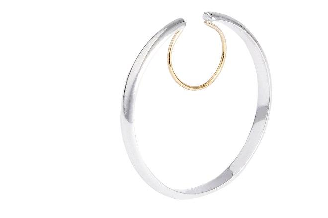 Boucle d'oreille de cartilage