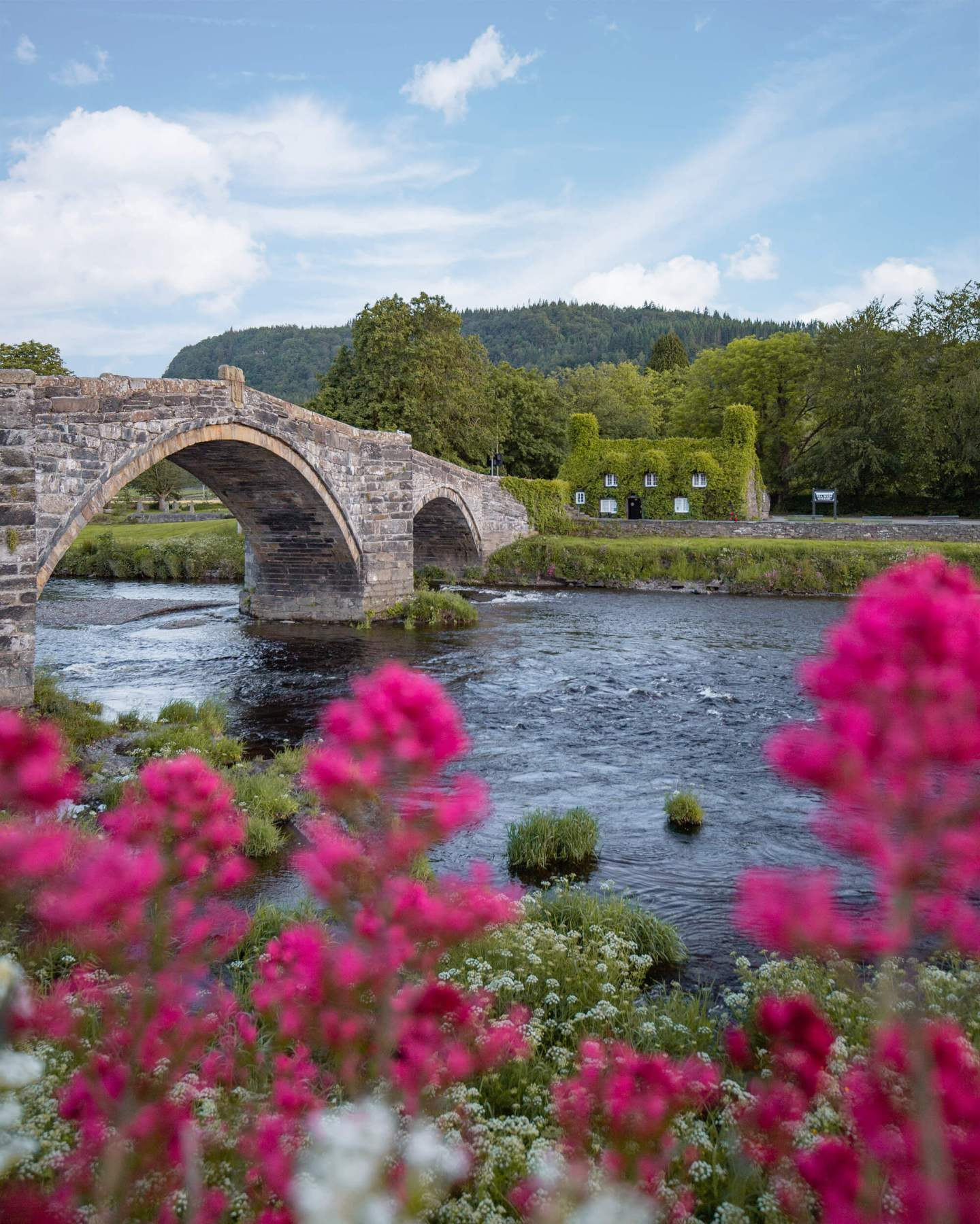 Places-To-visit-in-north-wales.jpg
