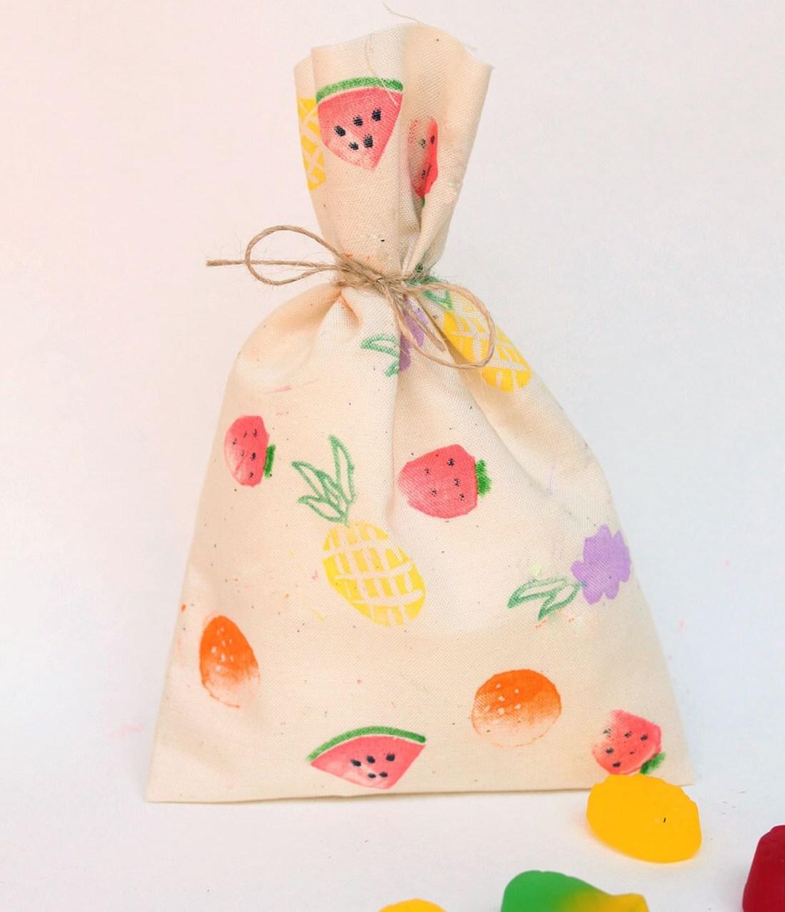 Tutti frutti favour bags