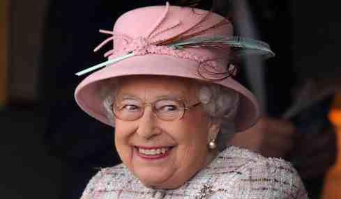 Queen Elizabeth beweist Humor