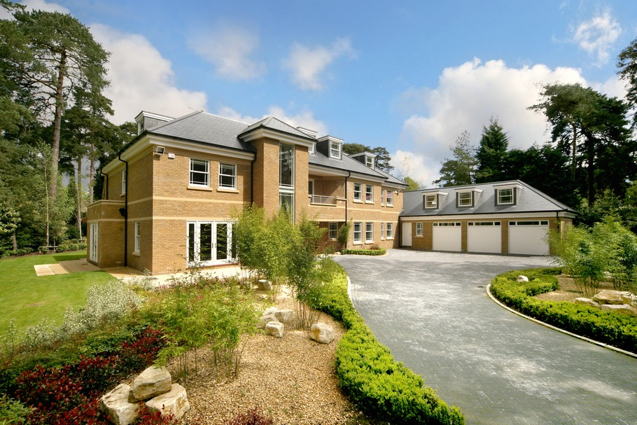 Luxury Surrey Property, England « Adelto Adelto