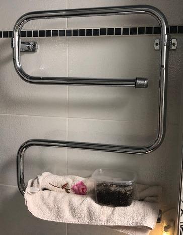 Serpiente en el baño, una excelente manera de calentar un suelo incluso en el verano cuando la calefacción central está deshabilitada
