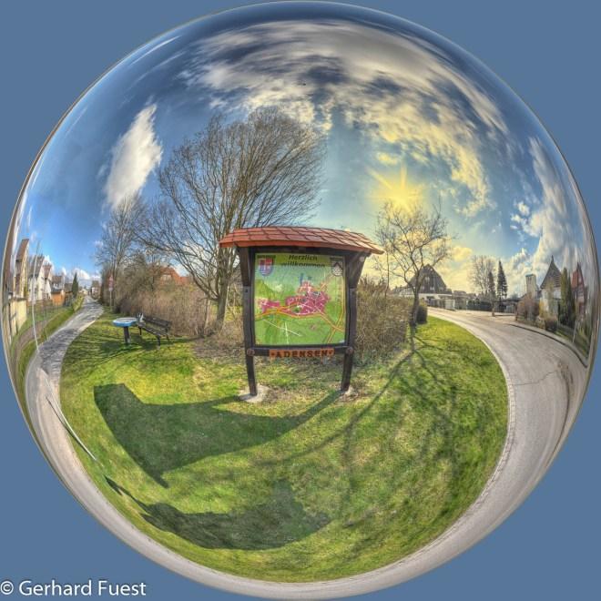 Man kann es so oder so sehen, je nach Perspektive und Geschmack - Panorama am Übersichtsplan -