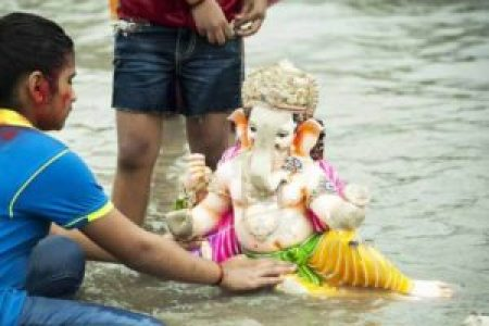 A step by step guide on sthapna  pooja   visarjan     A Desiflava Magazine How to Perform Ganesh Visarjan