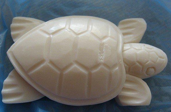 Gambar patung kura-kura dari sabun