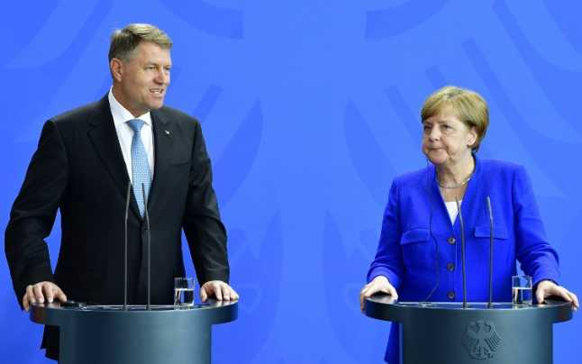 Imagini pentru IOHANNIS,MERKEL ,POZE