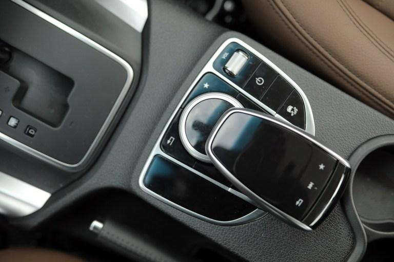 Mercedes-Benz X 235