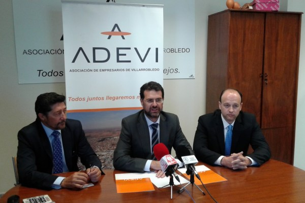 ADEVI y la empresa VISEGUR firman un convenio de colaboración en materia de seguridad.