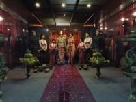 Diorama pernikahan adat Jawa