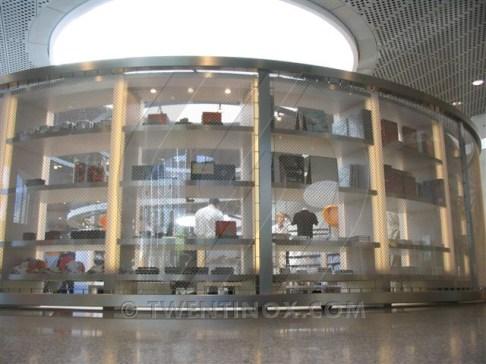 w-mercedes-benz-museum-stuttgart-sierra-papa-large-scheidingswand-separatie-room-divider-raumteiler-3
