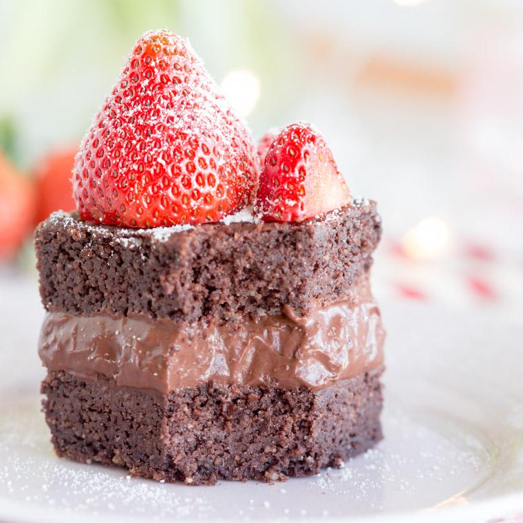 Vegansk kokosbrownie med chokladbollspannacotta, av Anna Winér