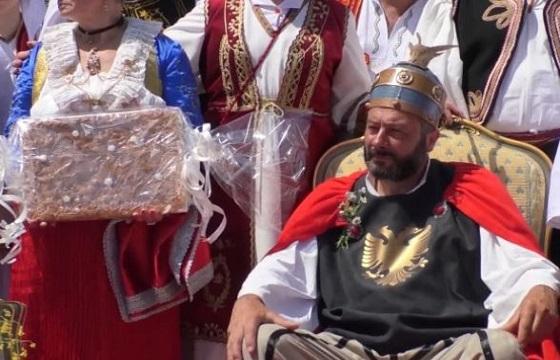 Αναπαράσταση γάμου του Έλληνα εθνικού ήρωα της Αλβανίας [Βίντεο]