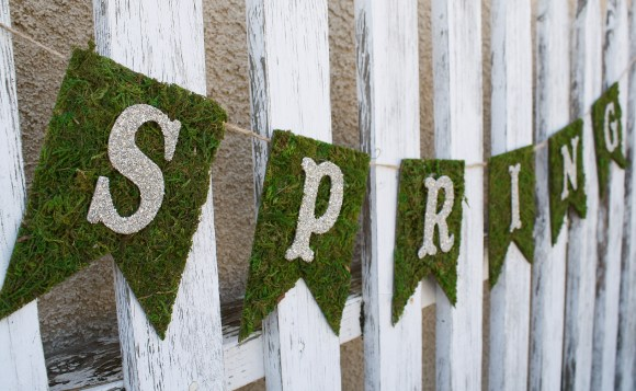 Spring Moss & Glitter Glass Banner